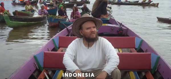 عکس گردشگر نابینا در اندونزی